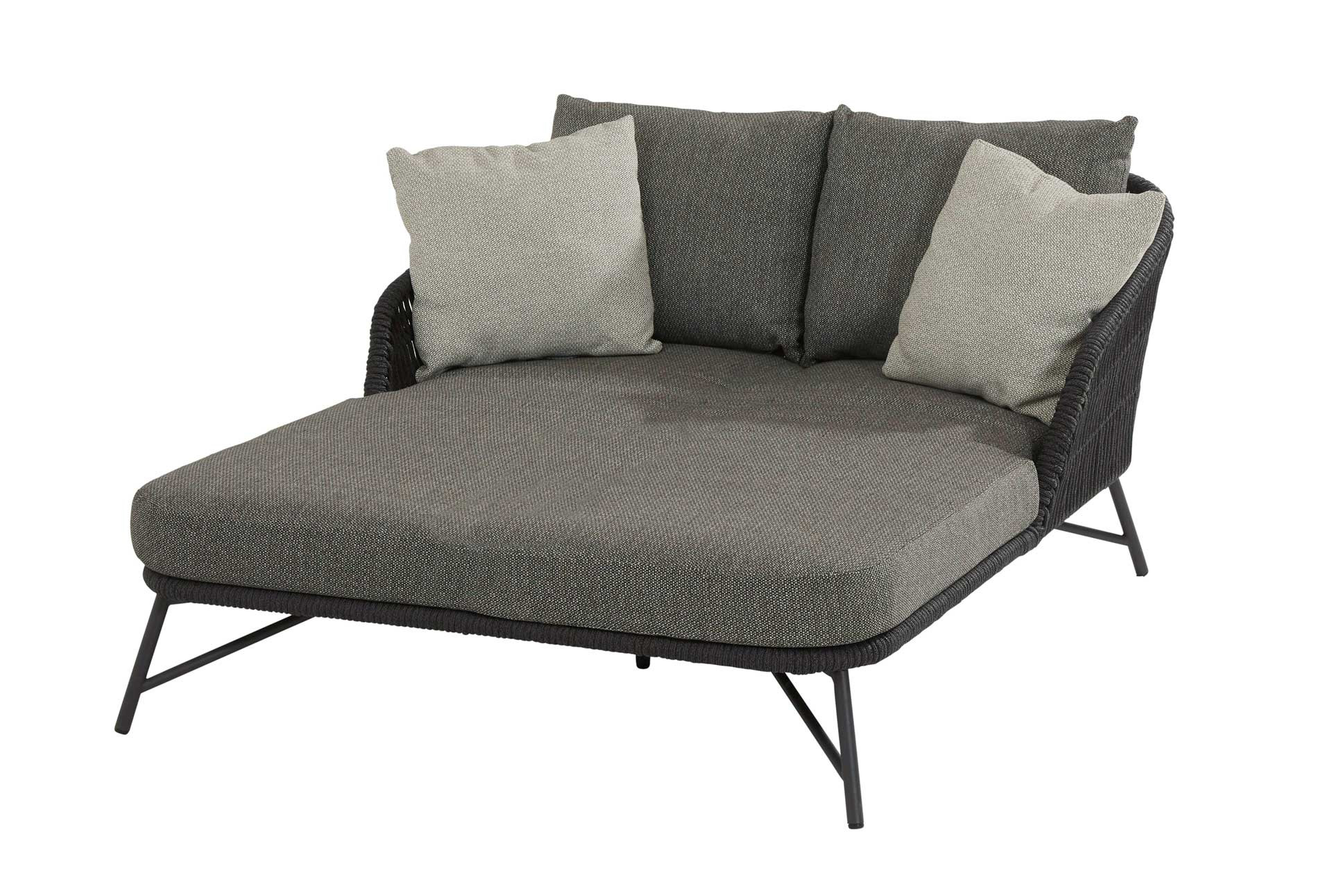 Marbella daybed with 5 cushions