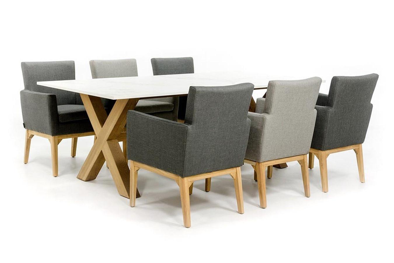 Dekton tafel met Teak onderstel en stoelen