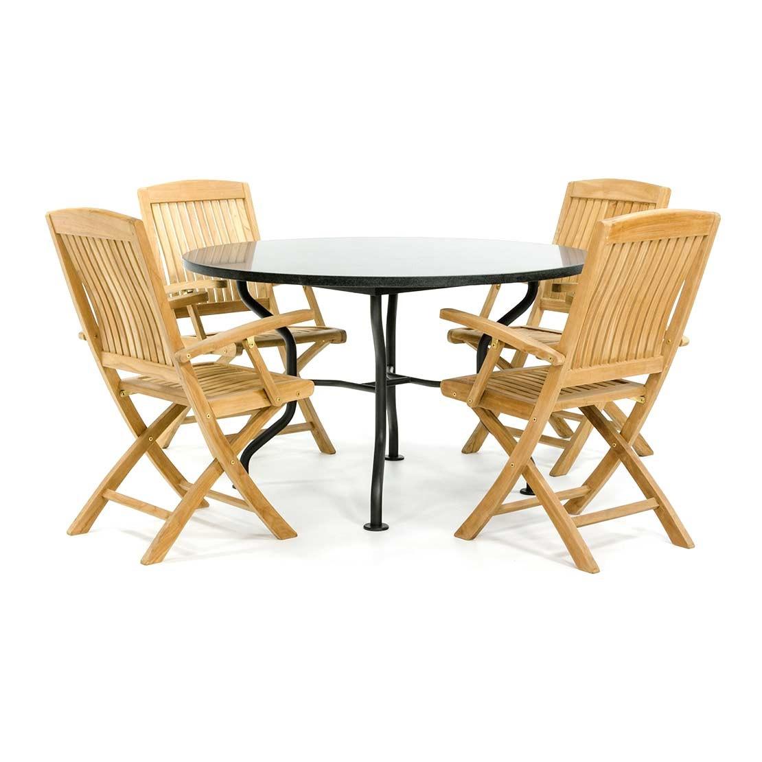 ronde granieten tuintafel met houten klapstoelen