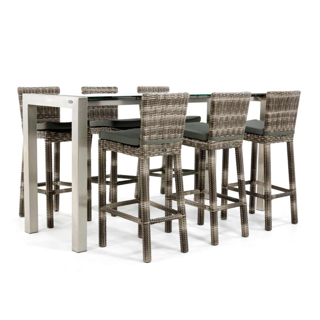 RVS bartafel met glazen tafelblad en wicker stoelen