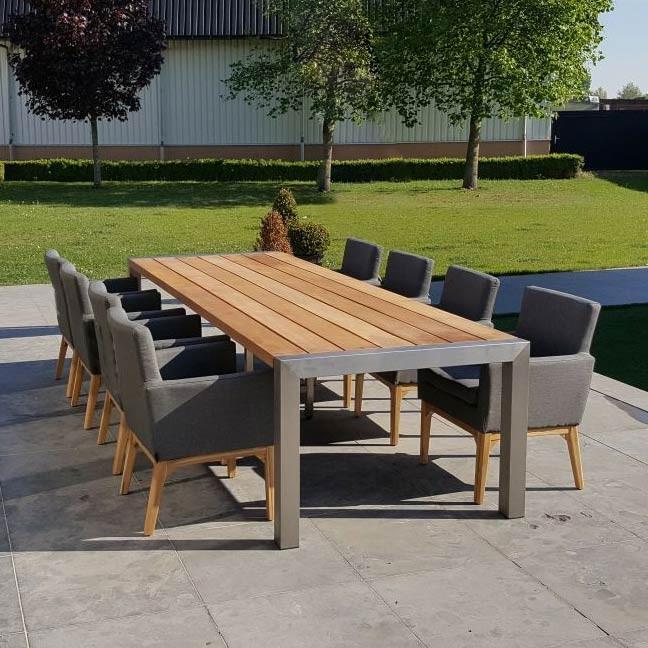 RVS Tuintafel met hardhouten tafelblad en outdoor textiel stoelen